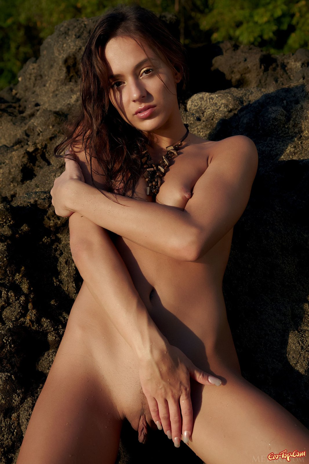 Dominika Chybova на камнях