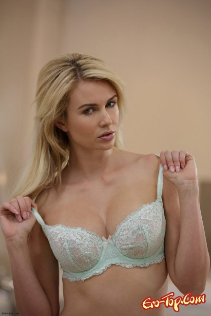 блондинки с 3 размером груди фото трах