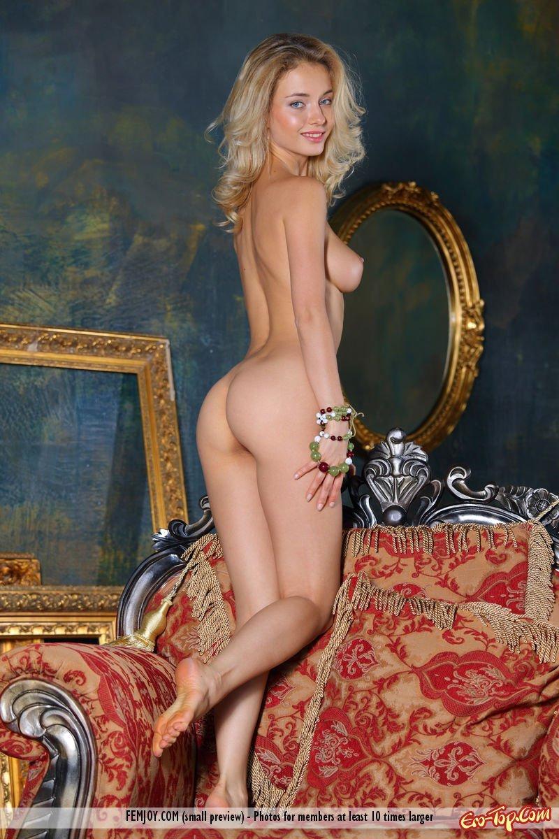 Прекрасная блондиночка