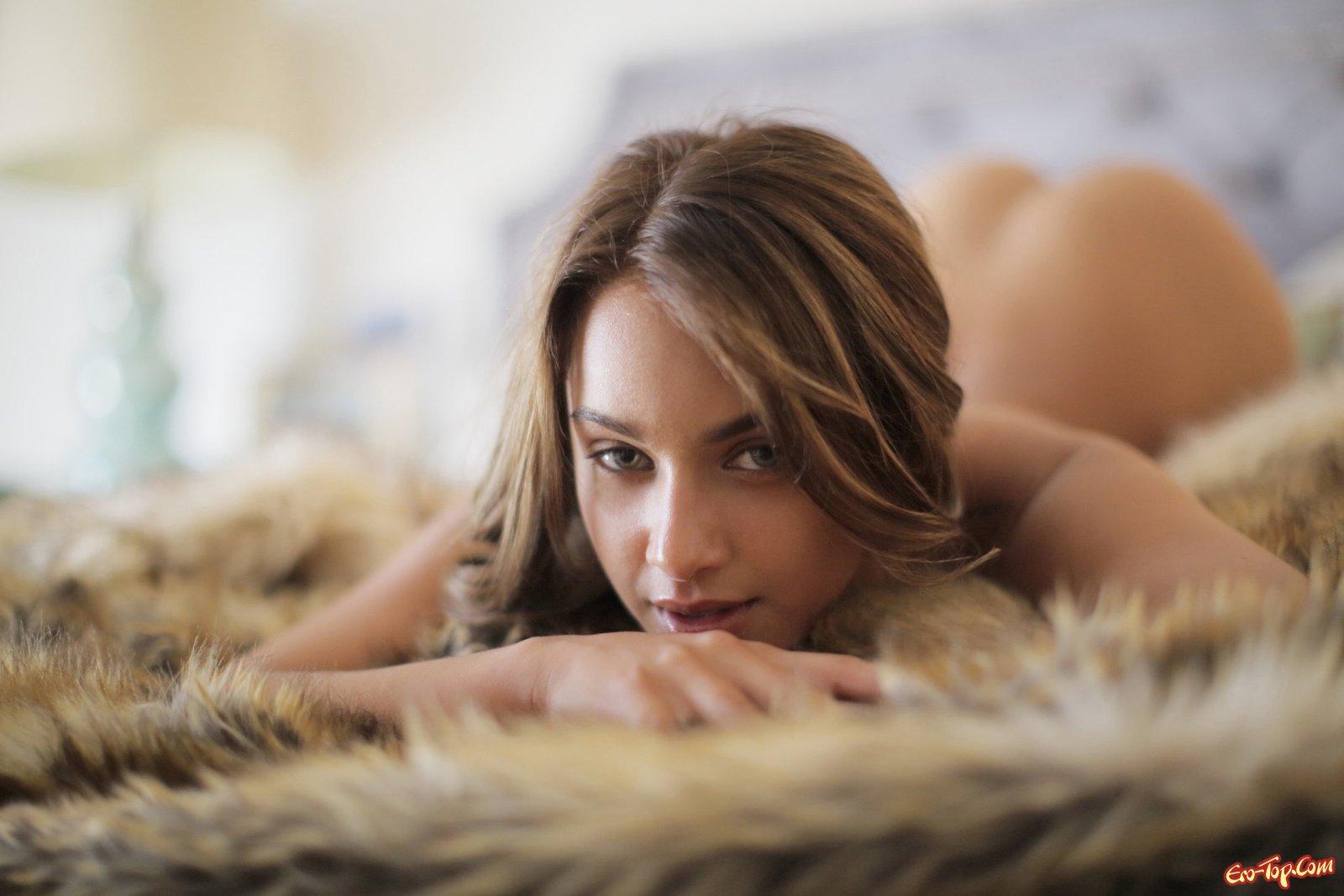 Роскошная сучка обножилась смотреть эротику