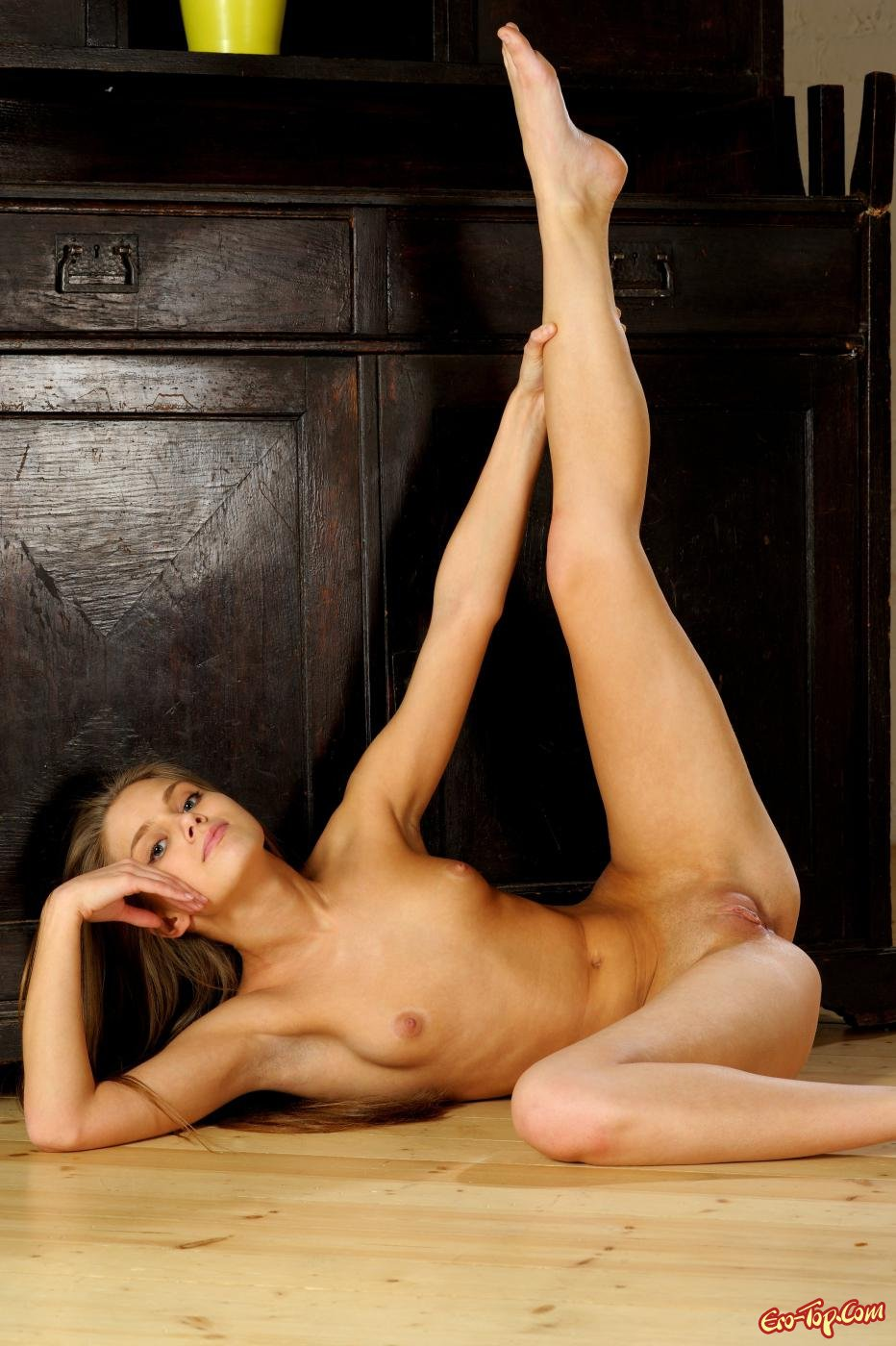 Молодая секси девушка