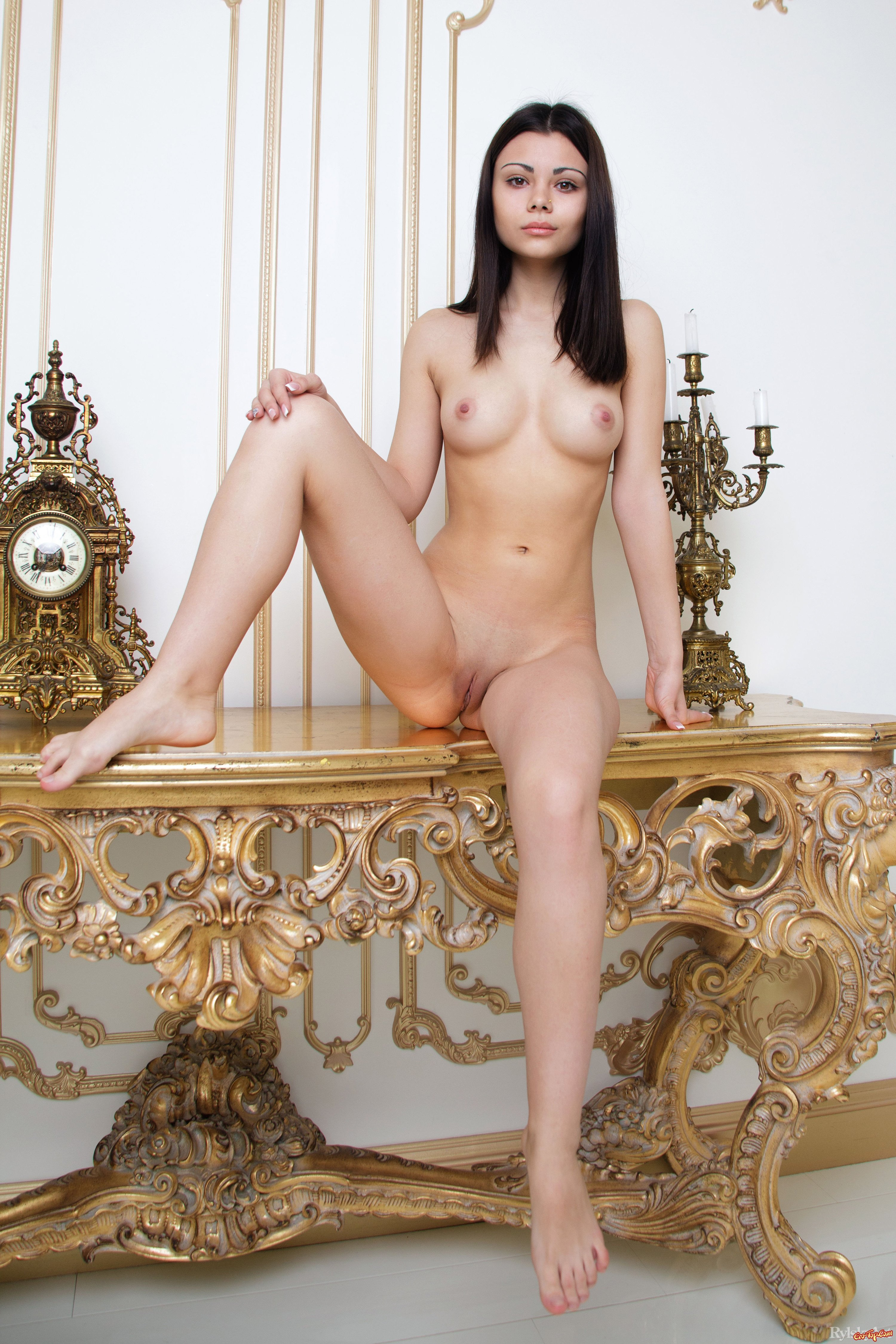 Фото девиц голых