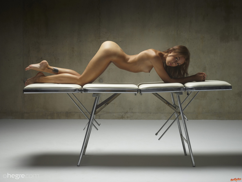Деваха с пирсингом в сосках секс фото