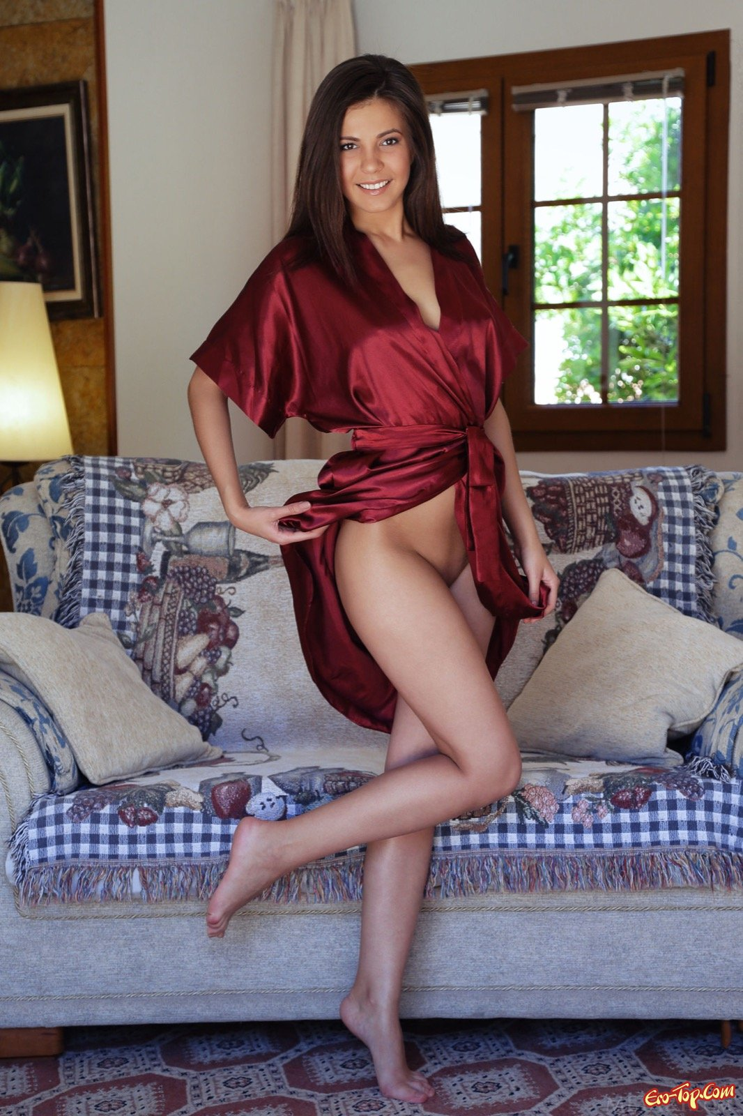 фото эротика в халате