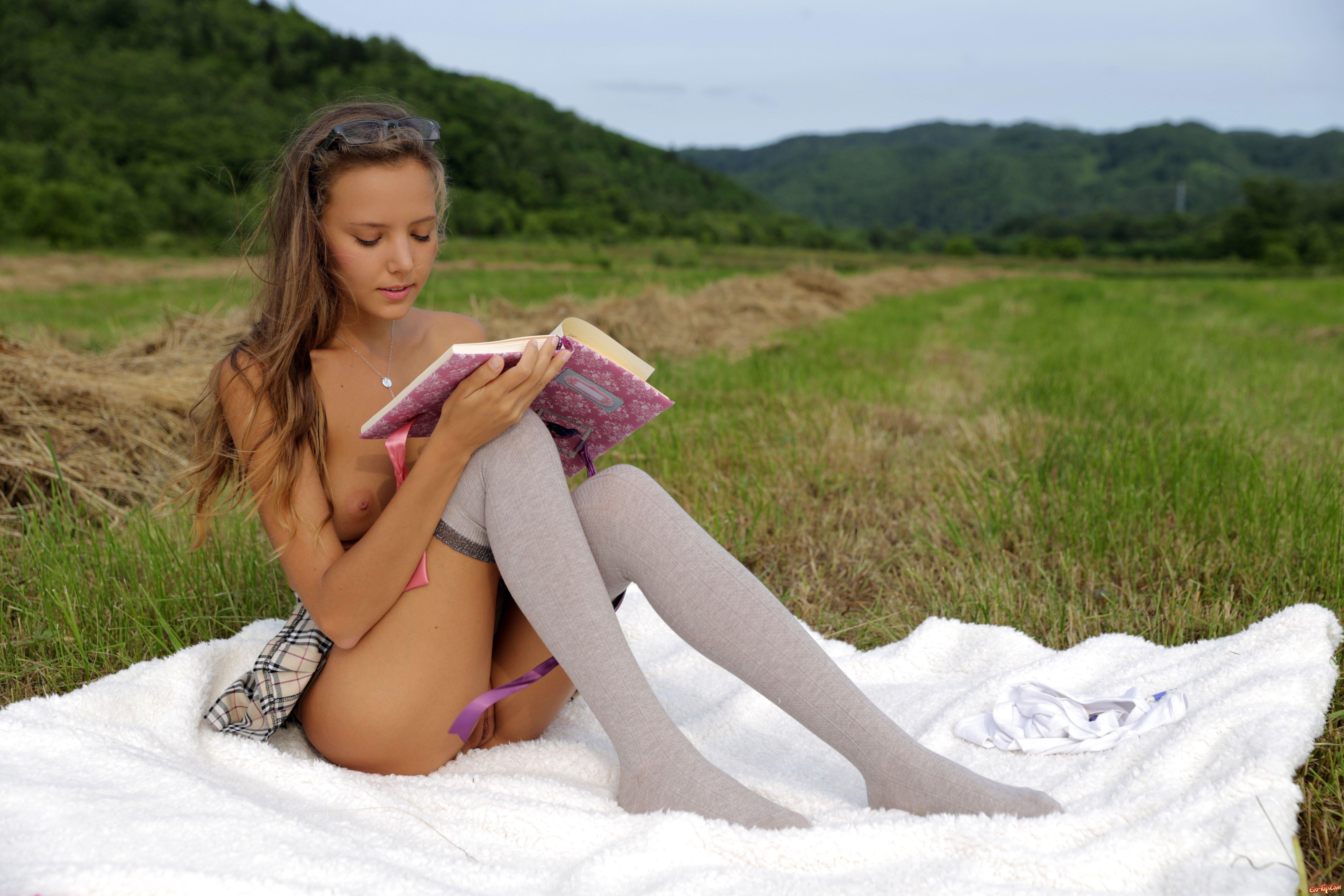 Секс молоденьких 18, Порно с молодыми. Молоденькие девушки и парни 4 фотография