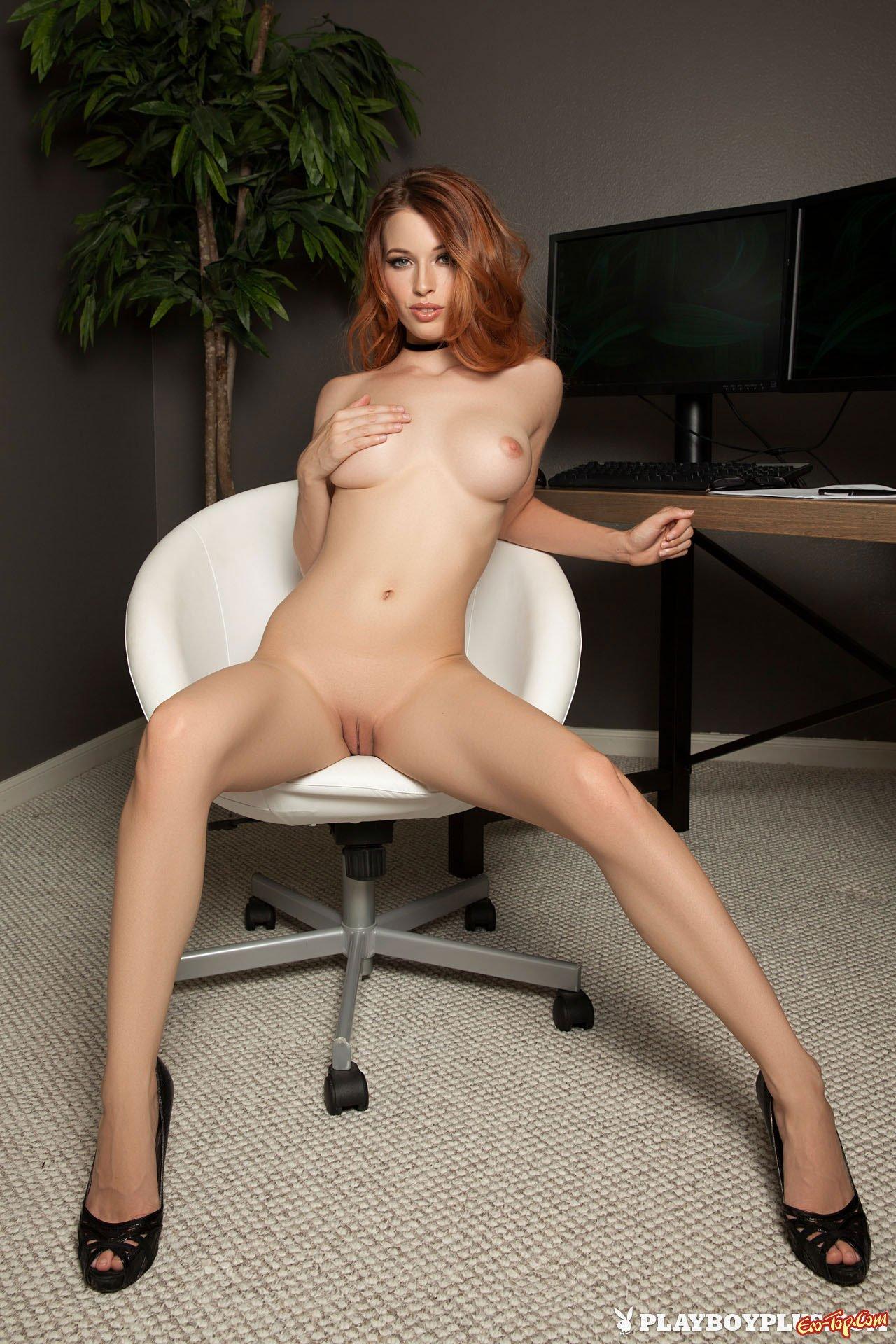 Девушка из плейбоя с большими сиськами фото
