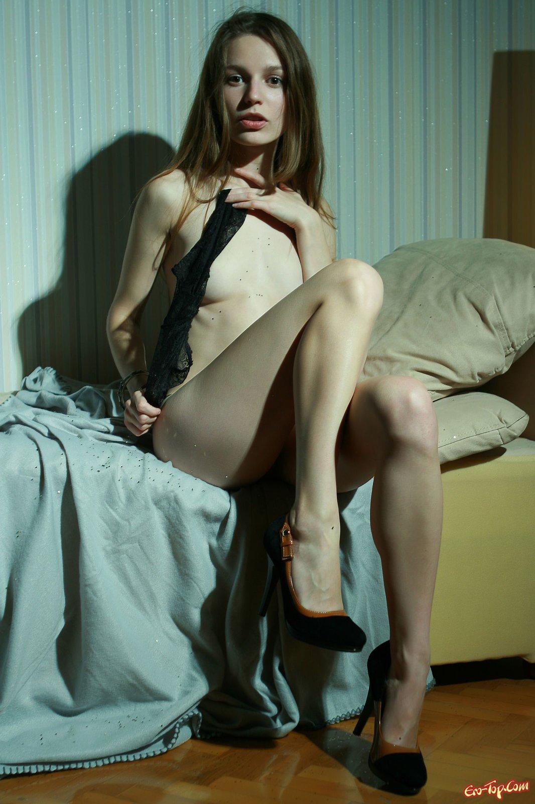 Натуральная красота голой телки секс фото