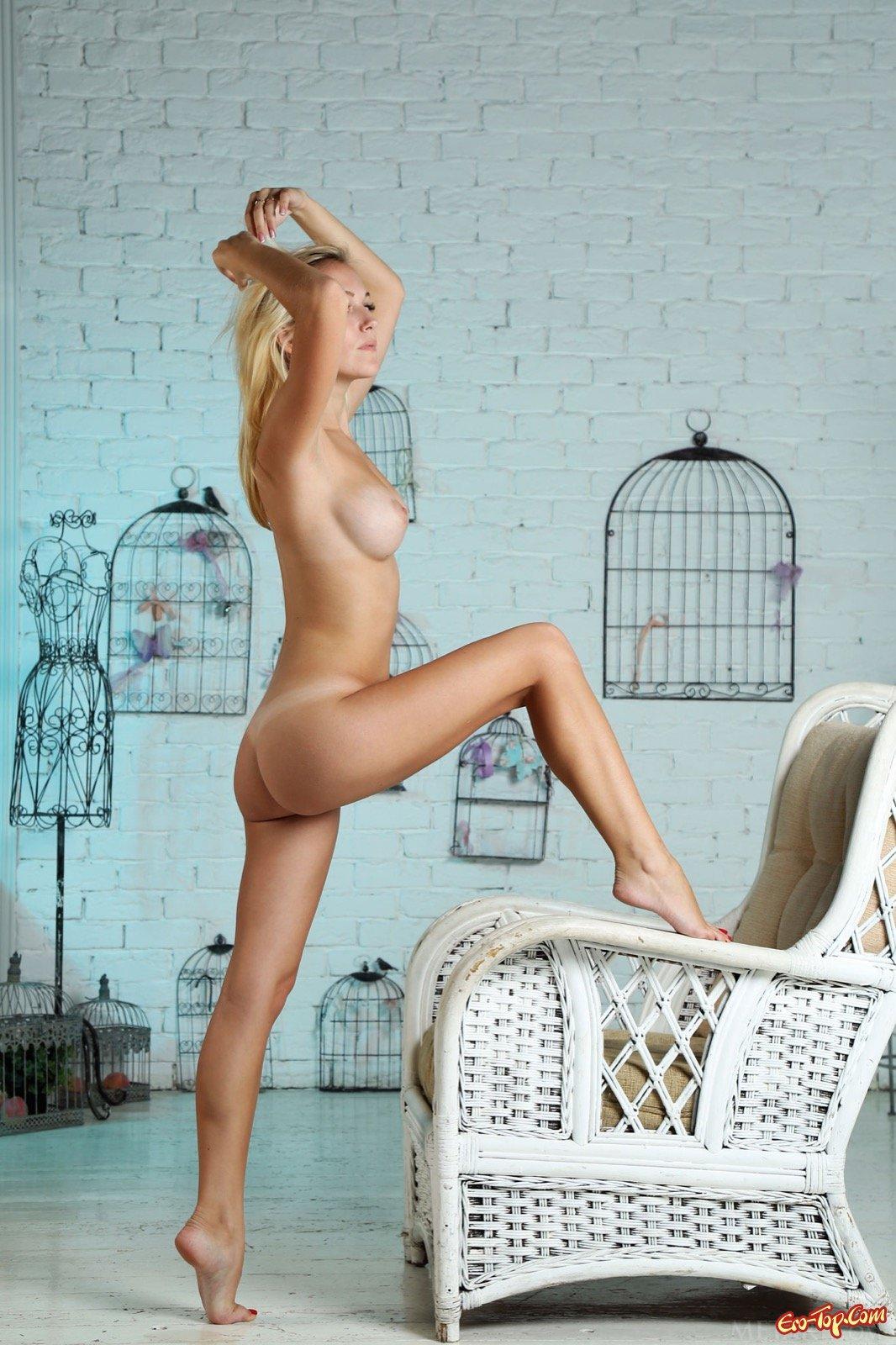 Блонди с шикарной попой