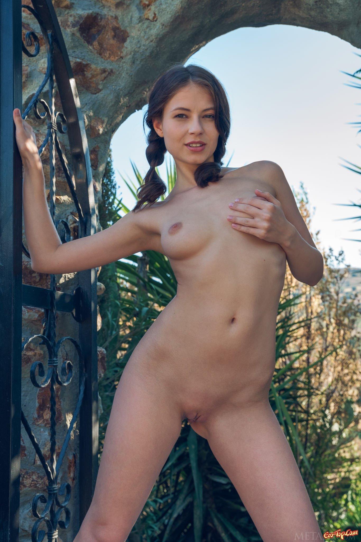 Стройные голые девушки  фото эротика
