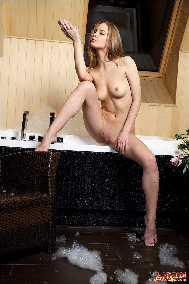 Неимоверная попочка Юной блондинки