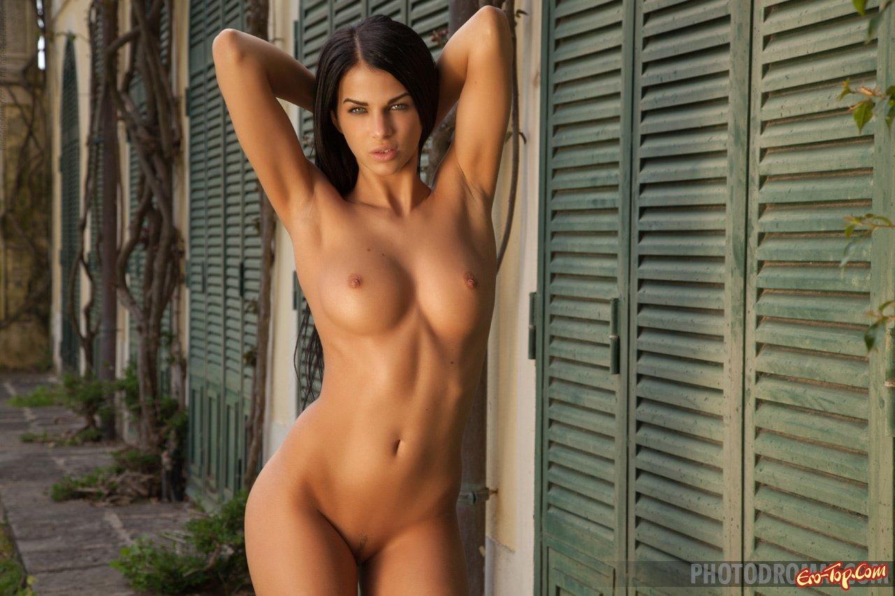 Голая сексуальная модель