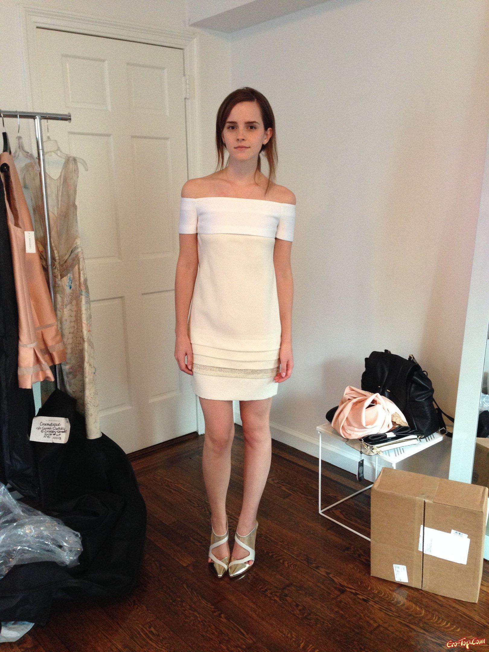 Голая Эмма Уотсон (Emma Watson) фото