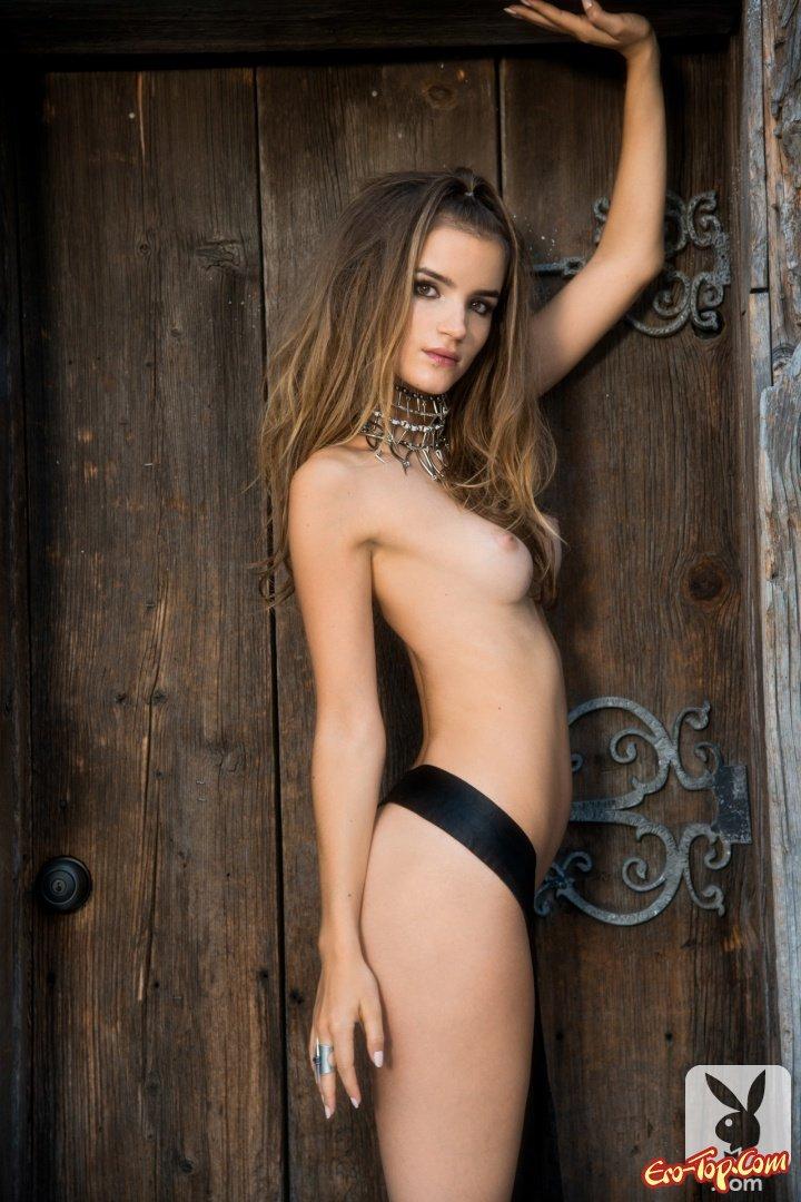 Круглая небольшие груди
