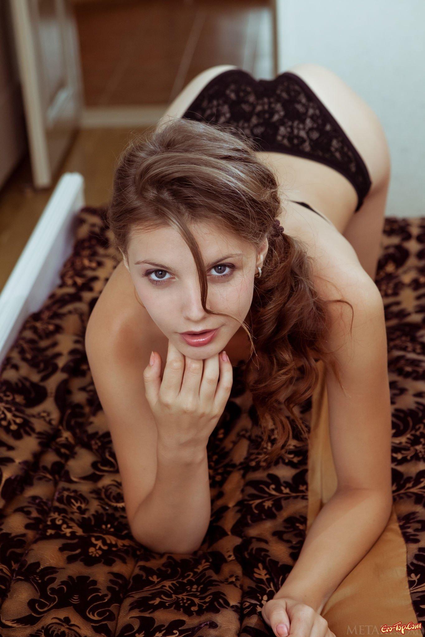 Молодые попки девчат для удовольствия 19 фото эротики