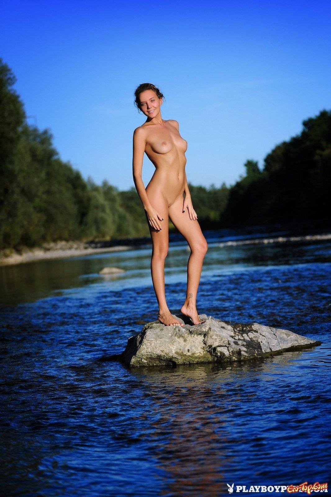 Красивые девушки на природе фото прикольные картинки