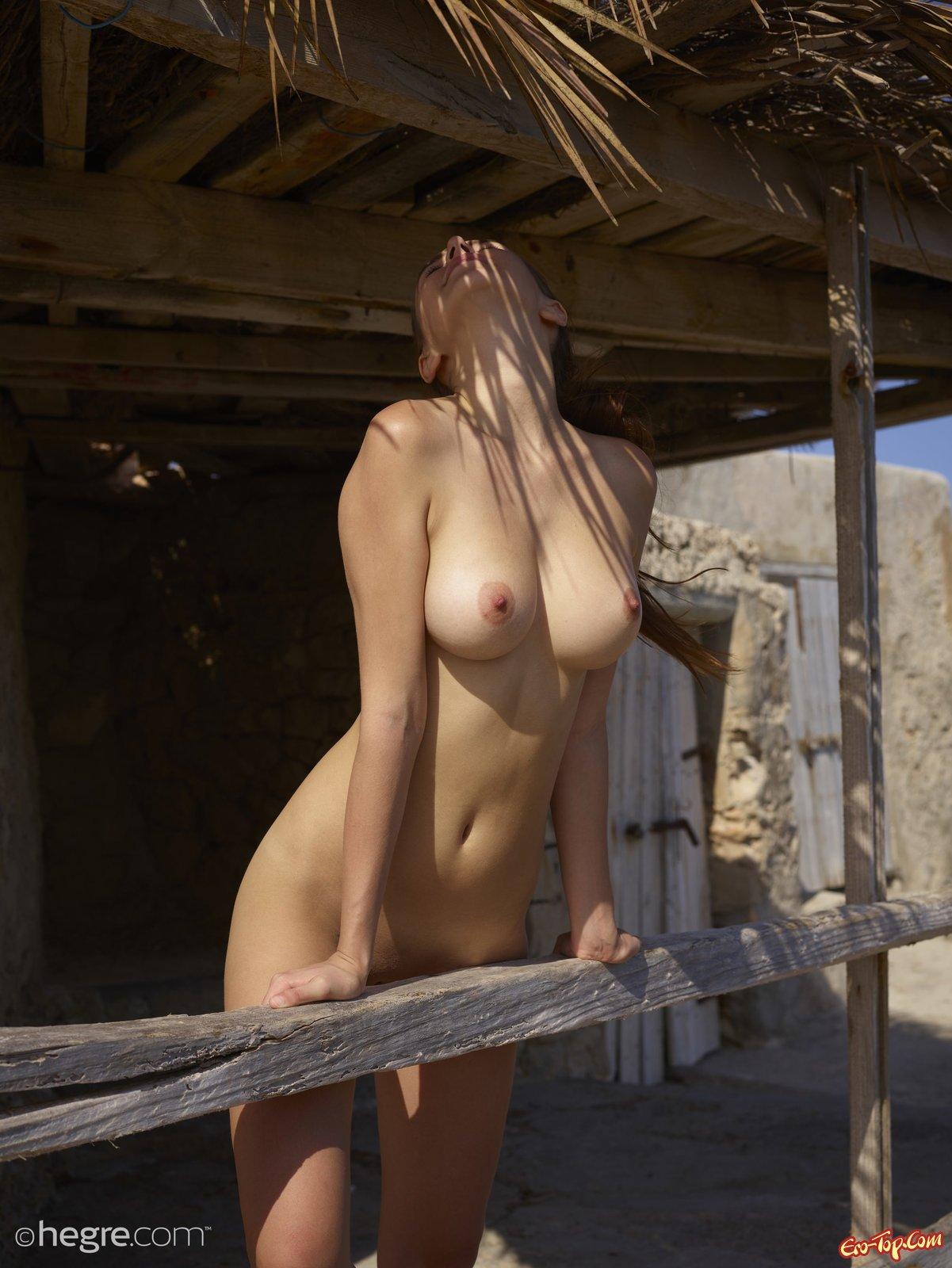 Голые сиськи и сисечки  красивые девушки с голыми