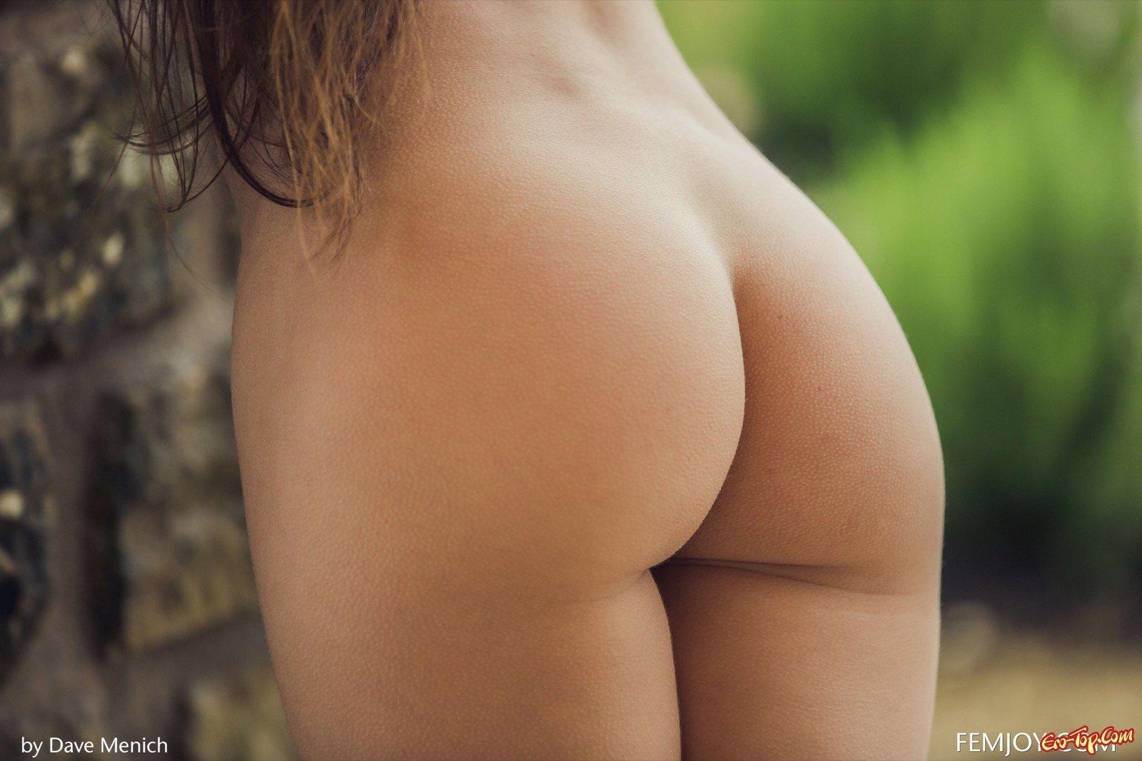 Маленькая грудь и красивая попка