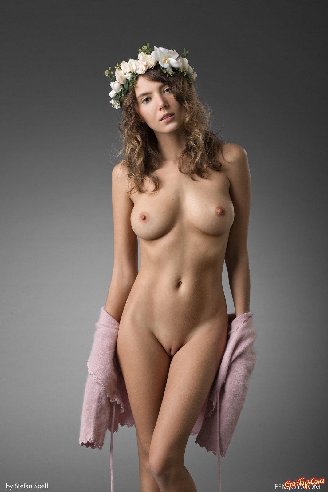 Мадам с модельной внешностью и шикарными буферами