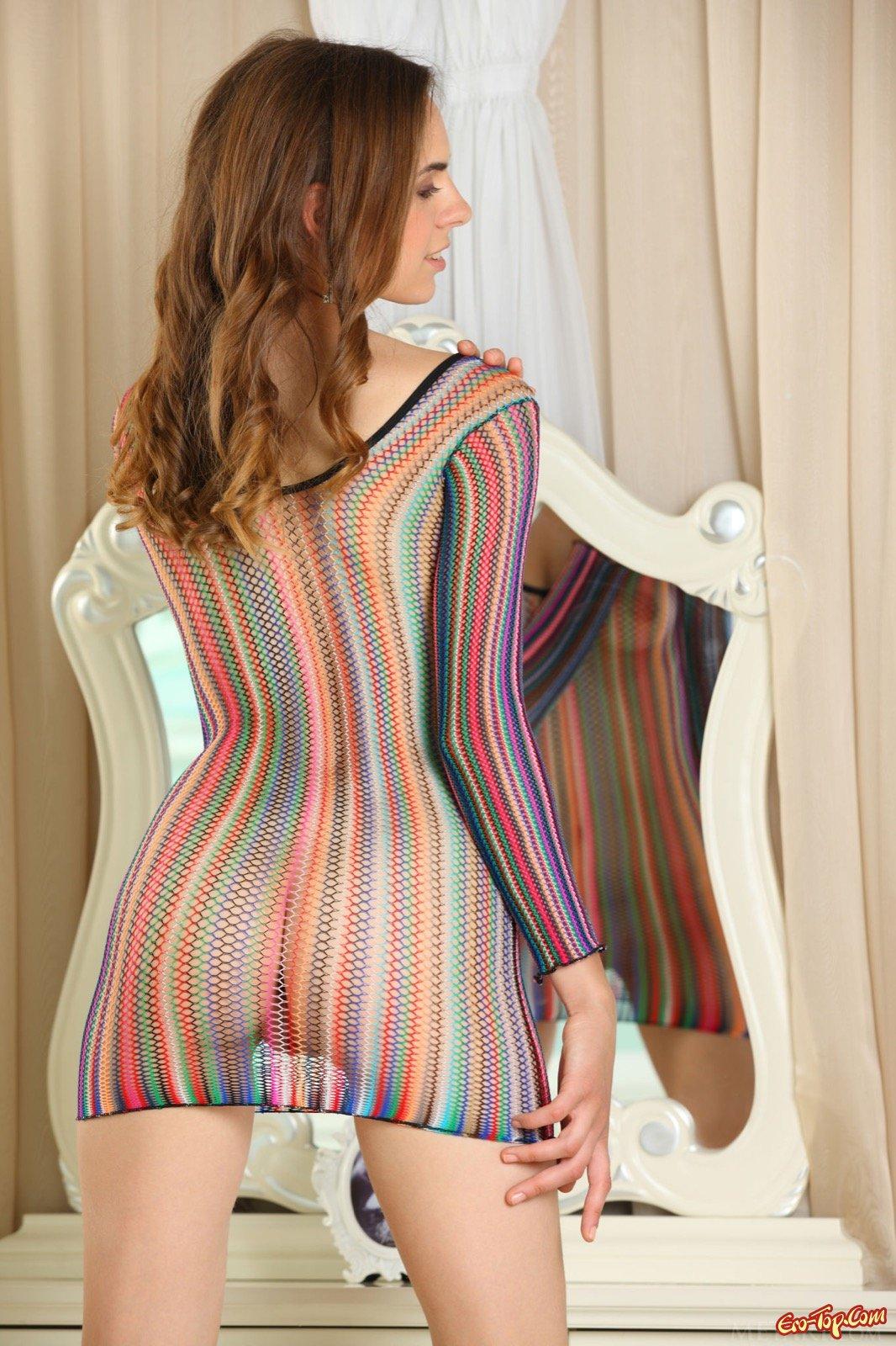 Одела сарафан на голое тело изменишь